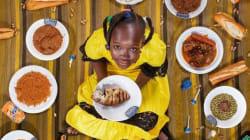 Pour dénoncer les mauvaises habitudes alimentaires, il fait poser les enfants au milieu de ce qu'ils