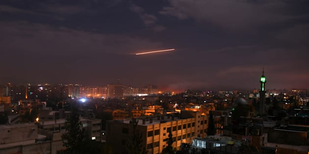 Raid di Israele in Siria contro obiettivi iraniani. Teheran