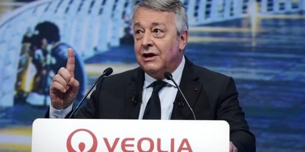 La question qui fâche du HuffPost au PDG de Veolia sur Franceinfo