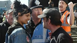 Cette manifestante devenue une icône anti-extrême droite a rencontré celle qu'elle avait