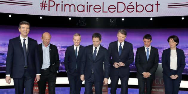 Les sept candidats sur le plateau du premier débat télévisé.