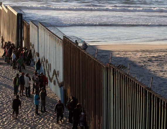 Migrant caravan reaches US border