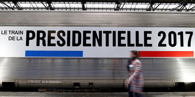 """Le """"Train de la Présidentielle"""" à Gare de Lyon à Paris, le 5 mars 2017. Conçu par les grands médias de service public, le train va parcourir la France jusqu'au 13 avril. Il présente l'histoire de l'élection présidentielle sous la Vème République."""