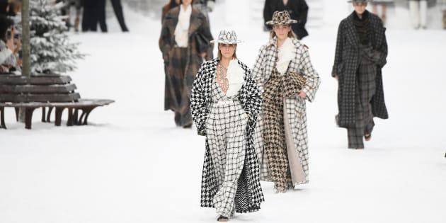 Cara Delevingne durante la última pasarela de Chanel en el Grand Palais de París, 5 de marzo de 2019.