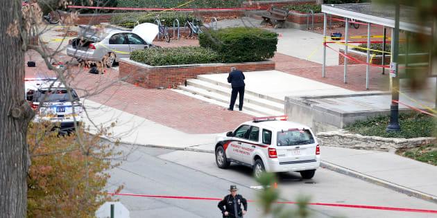 Un homme blesse onze passants avec une voiture et un couteau dans l'Ohio, la piste terroriste pas écartée