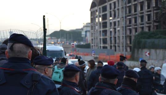 RUSPA E PASSERELLA - Sgombero senza alternativa all'ex Penicillina. Salvini mette il cappello, ma manca un piano B per gli oc...