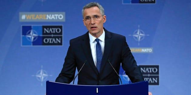 La Nato: fuori sette russi, no all'accredito di altri tre