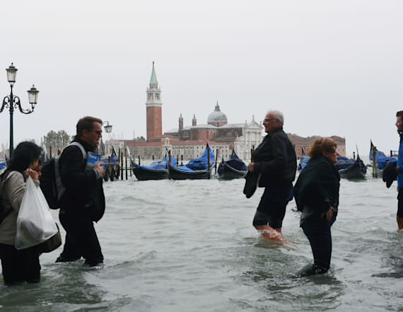 Flooding puts 75 percent of Venice, Italy underwater