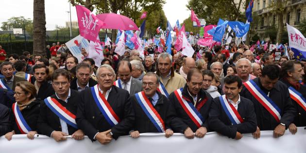 En dépit de la présence nombreuse d'élus dans ses rangs, la Manif pour tous n'est jamais devenu un parti politique.