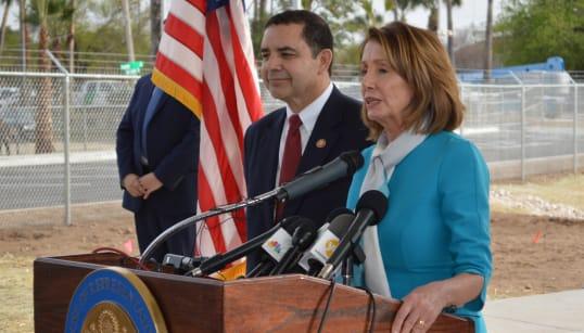 No hay emergencia nacional en la frontera, dice Pelosi desde