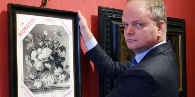 Il quadro trafugato dai nazisti. Merkel: