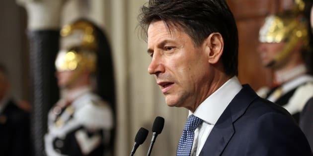 En Italie, Giuseppe Conte renonce à être Premier ministre.