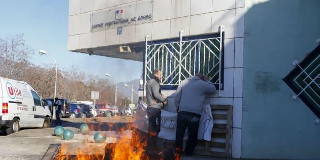 Prisons: nouvel échec des négociations entre les syndicats de surveillants et le gouvernement