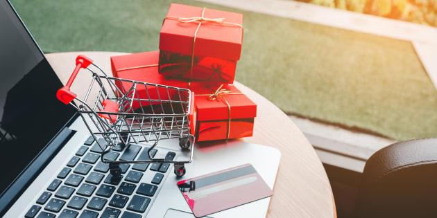 Cadeaux de Noël: Les Français ne se contentent plus de les revendre sur Le Bon Coin, ils les achètent aussi