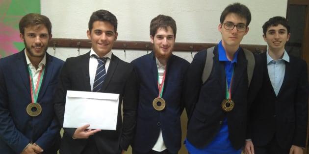 El equipo español en las Olimpiadas de Física 2018, que ha logrado un oro, dos bronces y una mención de honor.
