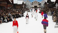 Pour le dernier défilé Chanel de l'ère Lagerfeld, le Grand Palais devient une station de