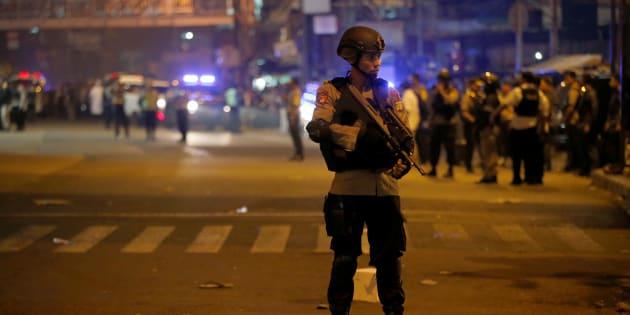 Indonesia, doppia esplosione a Giacarta: morti e feriti.