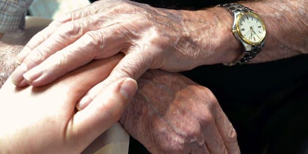 Chers députés, aurez-vous le courage de signer la proposition de loi portant sur la fin de vie dans la dignité.