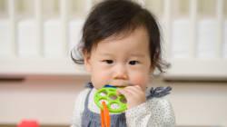 Avec son tweet sur les dangers des piles bouton, cette pédiatre appelle à la vigilance des