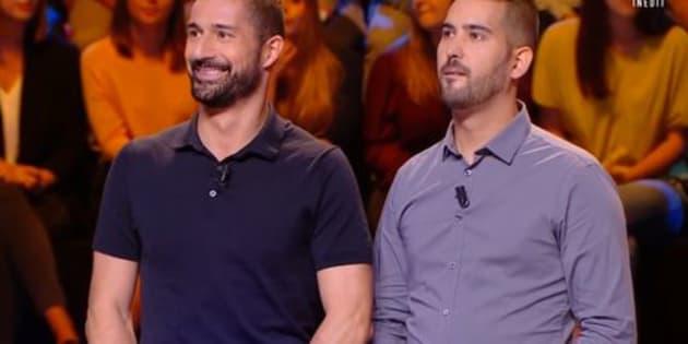 """David et Rémy, deux candidats venus participer au nouveau jeu de C8 """"Couple ou pas couple"""" présenté par Jean-Luc Lemoine ont créé le malaise sur le plateau ce 26 décembre."""