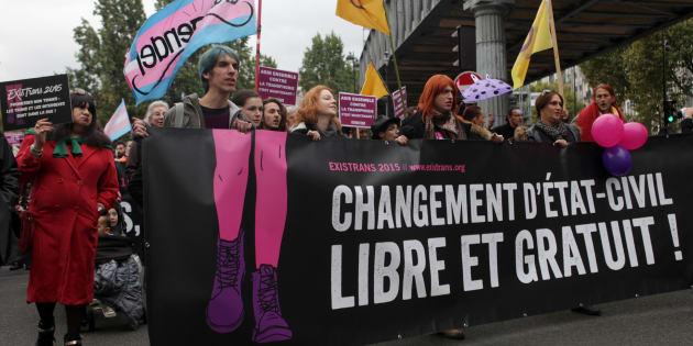 """La France condamnée pour imposer aux personnes trans une transformation """"irréversible"""" lors du changement d'état civil"""