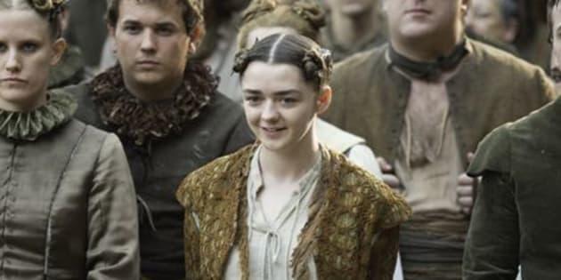 Maisie Williams devrait être heureuse, son chanteur préféré fera une apparition dans la nouvelle saison de Game Of Thrones.