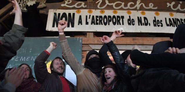200 personnes manifestent contre l'abandon du projet d'aéroport — NDDL