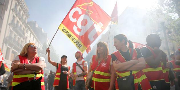 """Les syndicats annoncent une journée d'action le 9 octobre contre la politique sociale """"idéologique"""" du gouvernement."""