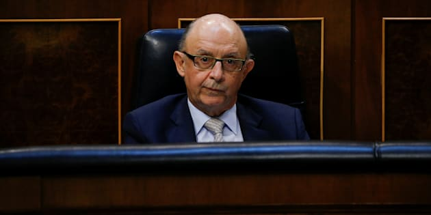 Cristóbal Montoro, ministro de Hacienda.  REUTERS/Juan Medina