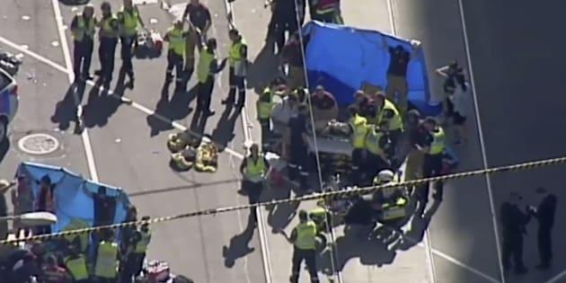 Auto contro la folla, paura e feriti a Melbourne: