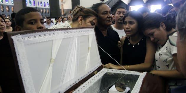 Velatorio de Álvaro Conrado, un niño de 15 años asesinado en las protestas estudiantiles del pasado abril.