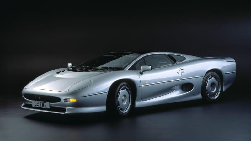 jaguar-xj220-in-studio-2000-picture-id534255450