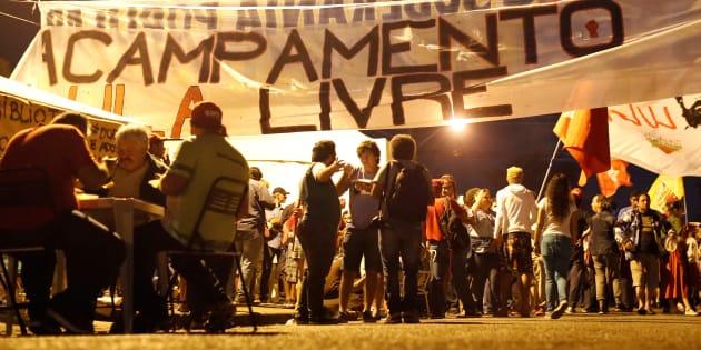 Acampamento pró-Lula próximo à sede da Polícia Federal, em Curitiba, onde o ex-presidente cumpre pena por corrupção e lavagem de dinheiro desde o último dia 7.