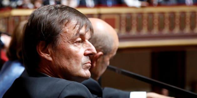 Nicolas Hulot écoutant le discours d'Emmanuel Macron au Congrès de Versailles le 9 juillet 2018
