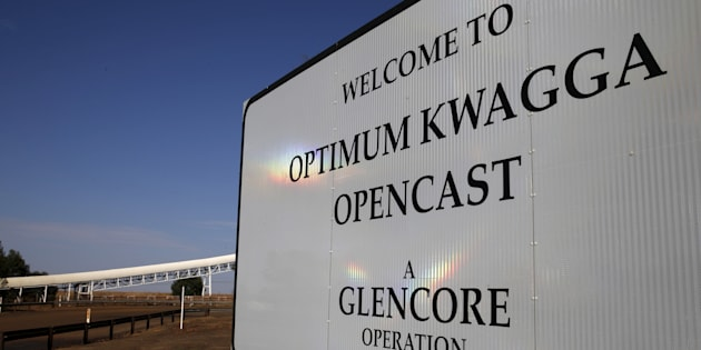 An entrance to the Optimum Kwagga coal mine owned by Glencore is seen near Hendrina in Mpumalanga province, September 8 2015.REUTERS/Siphiwe Sibeko