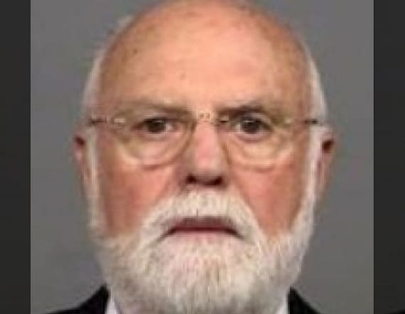 Fertility doctor accused of impregnating patients