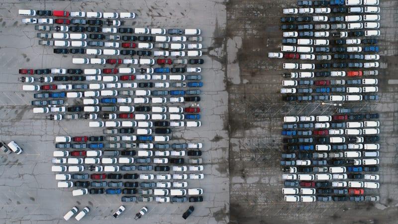 GM legt 8 Werke still, Ford stoppt Pickup-Linie, da sich der Chip-Mangel verschärft€