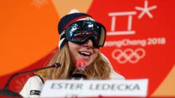 Championne olympique en... ski, cette snowboardeuse refuse d'enlever son masque car elle n'est