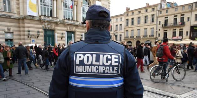 Un rapport parlementaire propose de rendre l'armement de la police municipale obligatoire (photo d'illustration).