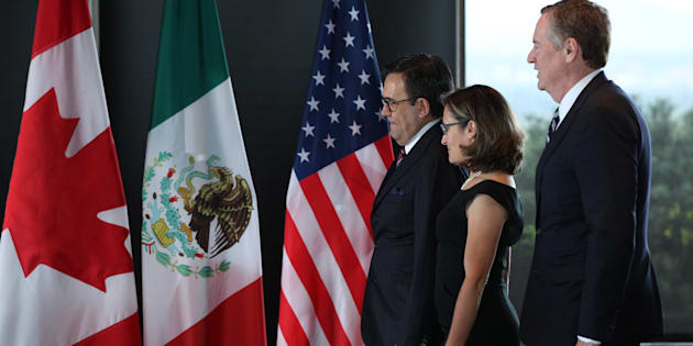 Mexico's Secretary of Economy Ildefonso Guajardo Villarreal, Canada's Minister of Foreign Affairs Chrystia Freeland, and United States Trade Representative Robert E. Lighthizer gather for a trilateral meeting at Global Affairs on the final day of the third round of the NAFTA renegotiations in Ottawa, Ont., Sept. 27, 2017.
