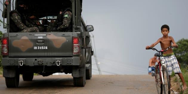 """""""A intervenção federal funciona para ofuscar o fato de que os militares estão no Rio há muito tempo, desde julho do ano passado, sem resultados muito positivos."""""""