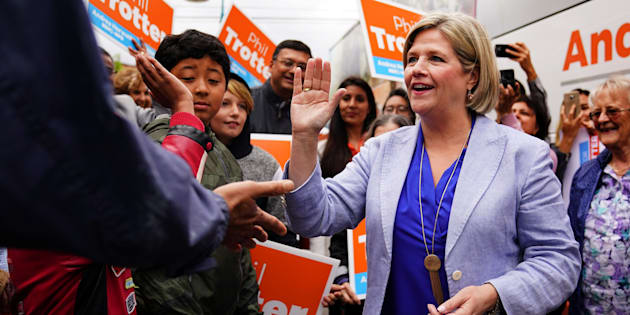 NDP leader Andrea Horwath shakes hands as she departs a campaign event in Toronto, Ontario, Canada, June 5, 2018.  REUTERS/Carlo Allegri