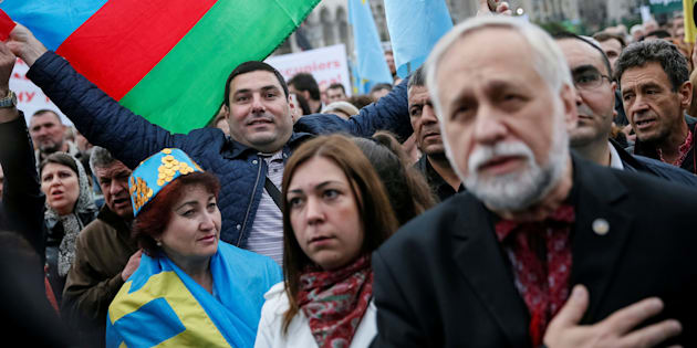 People gather to commemorate the anniversary of the deportation of Crimean Tatars from Crimea to Central Asia in 1944, in Independence Square in Kiev, Ukraine, May 18, 2016.