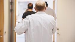 Lite per il turno dal medico: un paziente picchia un informatore