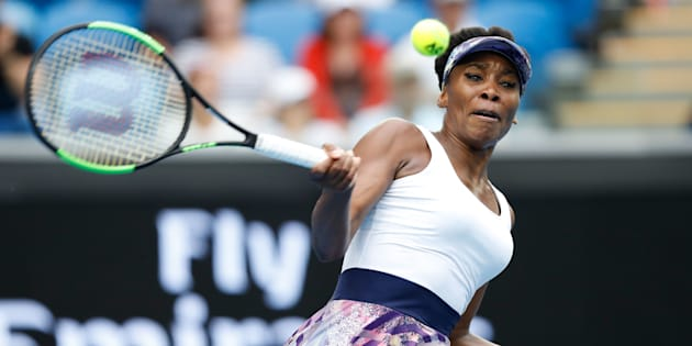 MELBOURNE, AUSTRALIA - JANUARY 20:  Venus Williams of the United States plays a forehand in her third round match against Ying-Ying Duan of China on day five of the 2017 Australian Open at Melbourne Park on January 20, 2017 in Melbourne, Australia.  (Photo by Jack Thomas/Getty Images)