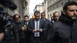 Salone del (telefono) mobile. Salvini va alla kermesse milanese, ma il cellulare è