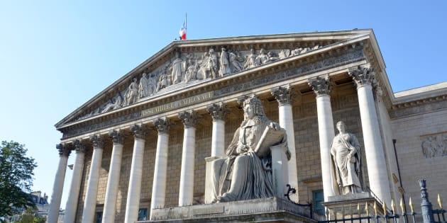 Réforme constitutionnelle: Les débats débutent à l'Assemblée, de nombreux amendements rejetés d'emblée.