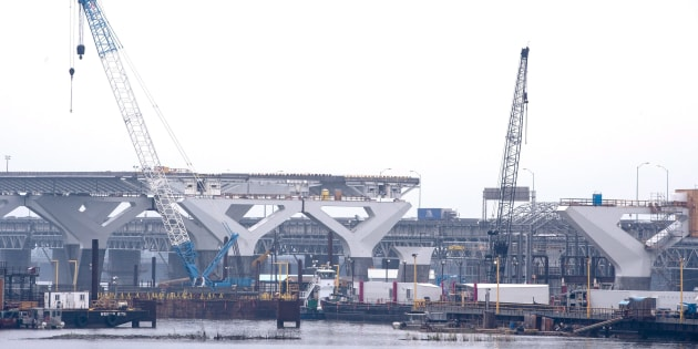 Les grues étaient immobilisées sur les chantiers du Québec depuis une semaine en raison d'une grève illégale des grutiers.