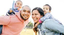 Comment les parents d'enfants métissés peuvent engager la conversation sur le thème de