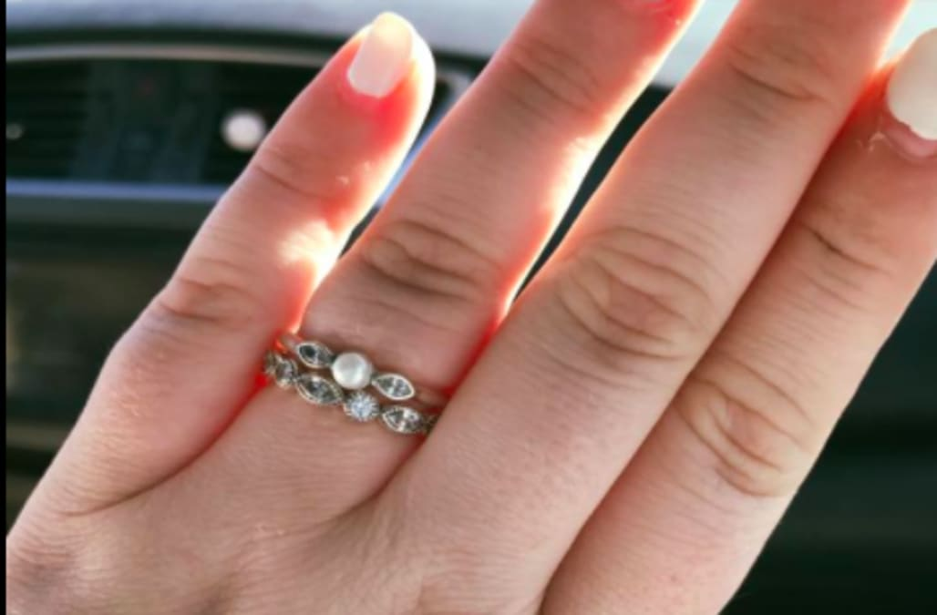 pandora apologizes after humiliating newlyweds on 130 engagement ring purchase - Pandora Wedding Rings